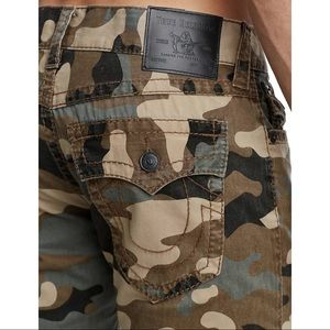 True religion Ricky flap big T camo jeans 40 x 34